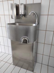 lavamani-basamento-optionals-dosasapone-salviette-acciaio