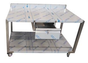 realizzazione-tavolo-acciaio-inox-ruote-con-cassetto